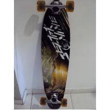 Skate Longboard Sector 9 mana